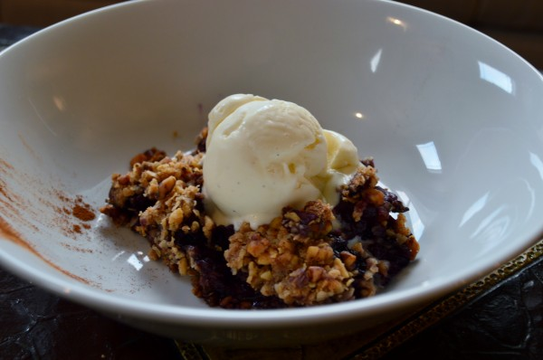 Apple blueberry walnut crisp